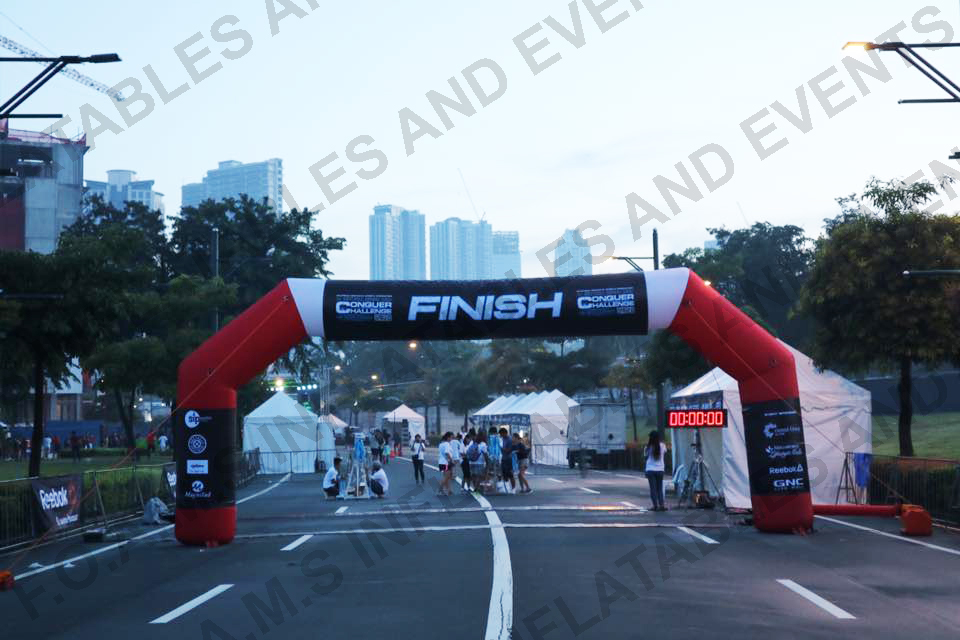 conquer challenge inflatable arch 1