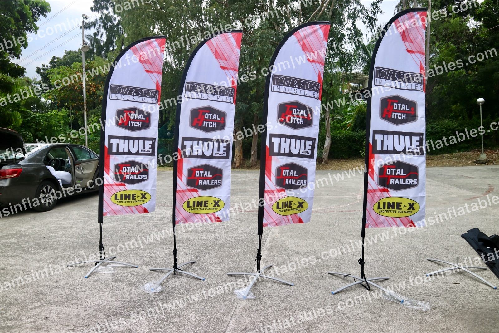 thule feather banner
